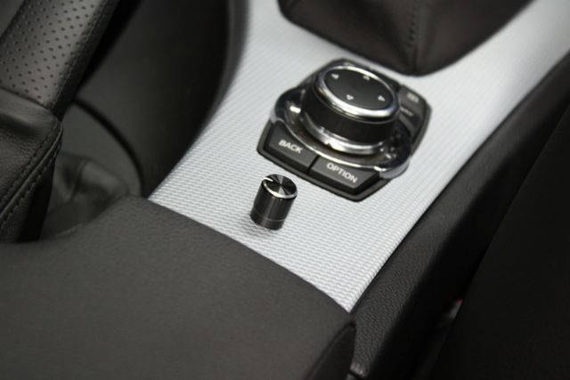 Example of PAC LC1 bass knob installed in a BMW 3 series