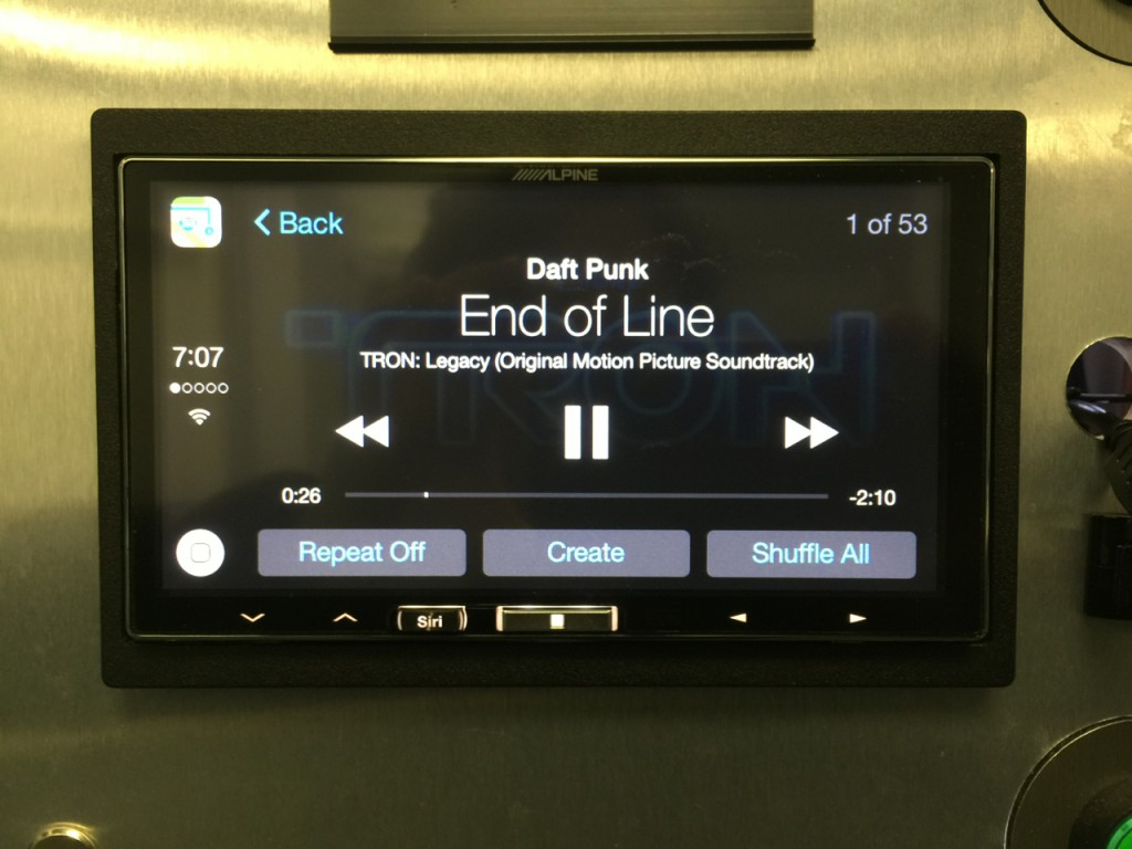 Alpine iLX-007 Review - Siri button is awesome