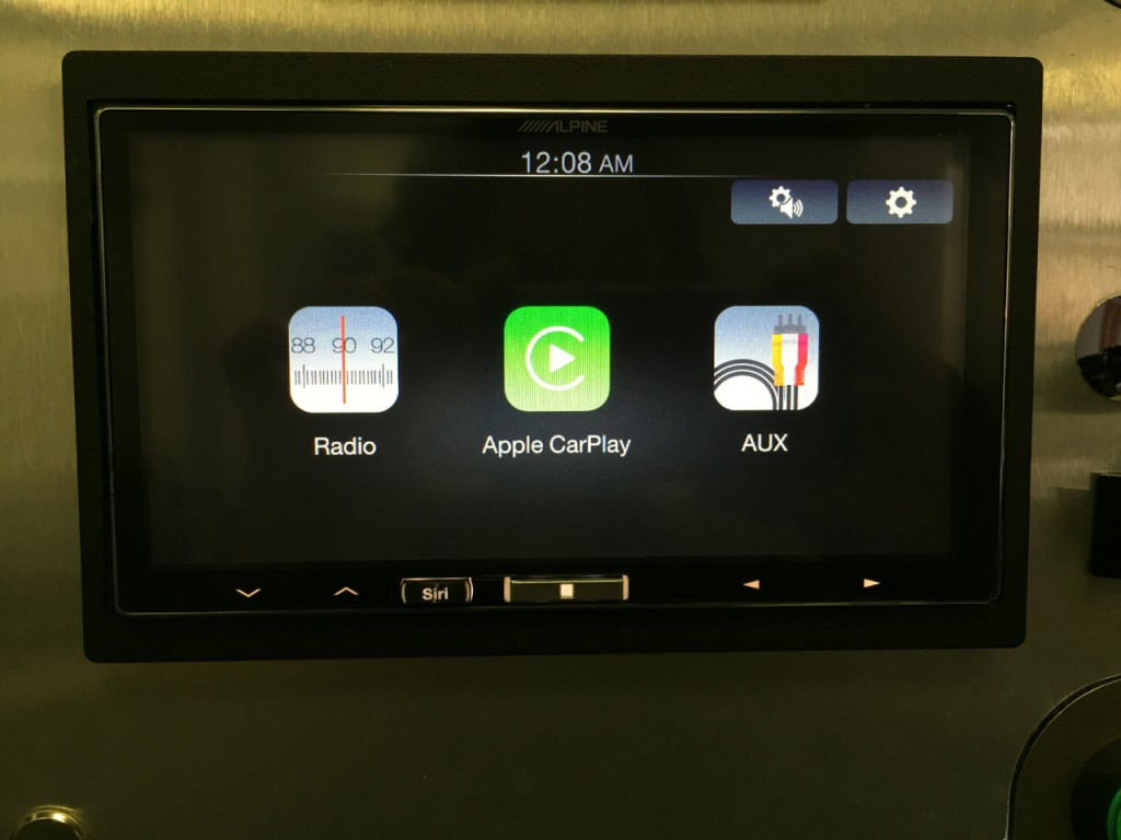 Alpine iLX-007 Review - Radio, CarPlay or Aux
