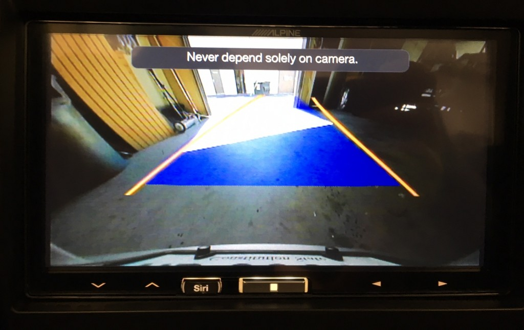 Apple CarPlay for Porsche 991 with factory reverse camera and Dynamic lines