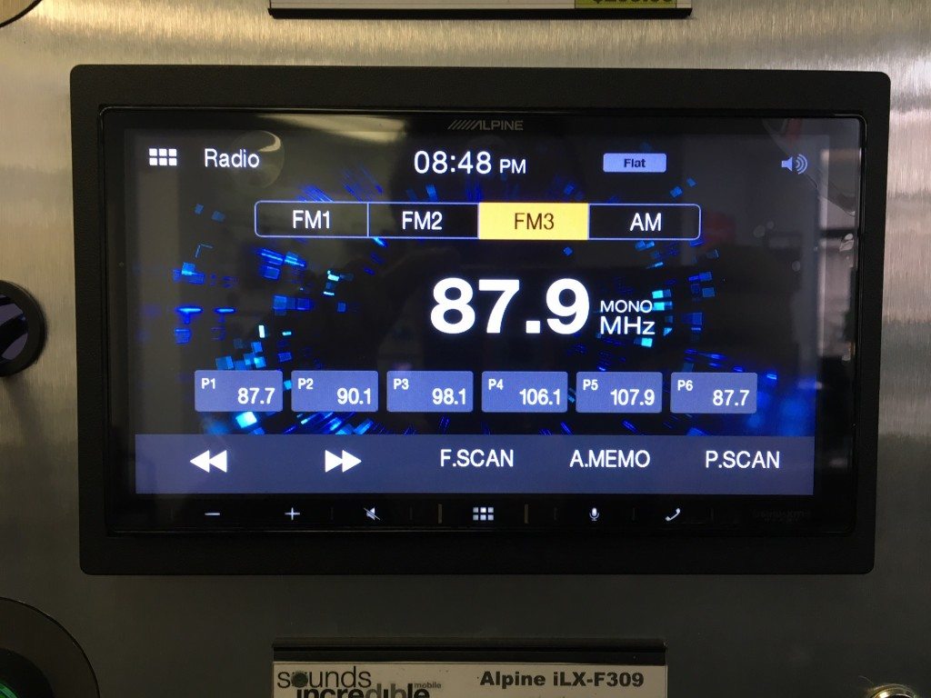 Alpine iLX-W650 Review - AM-FM Radio screen pic