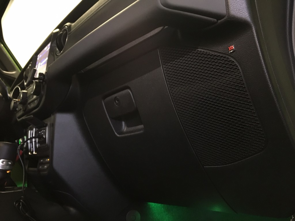 Jeep Wrangler JL Stereo Upgrade - front dash speakers 4 inch component