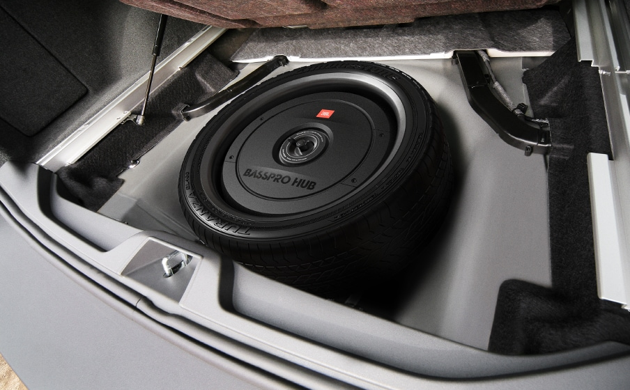 Stealth subwoofer install Audi TT - JBL Basspro Hub
