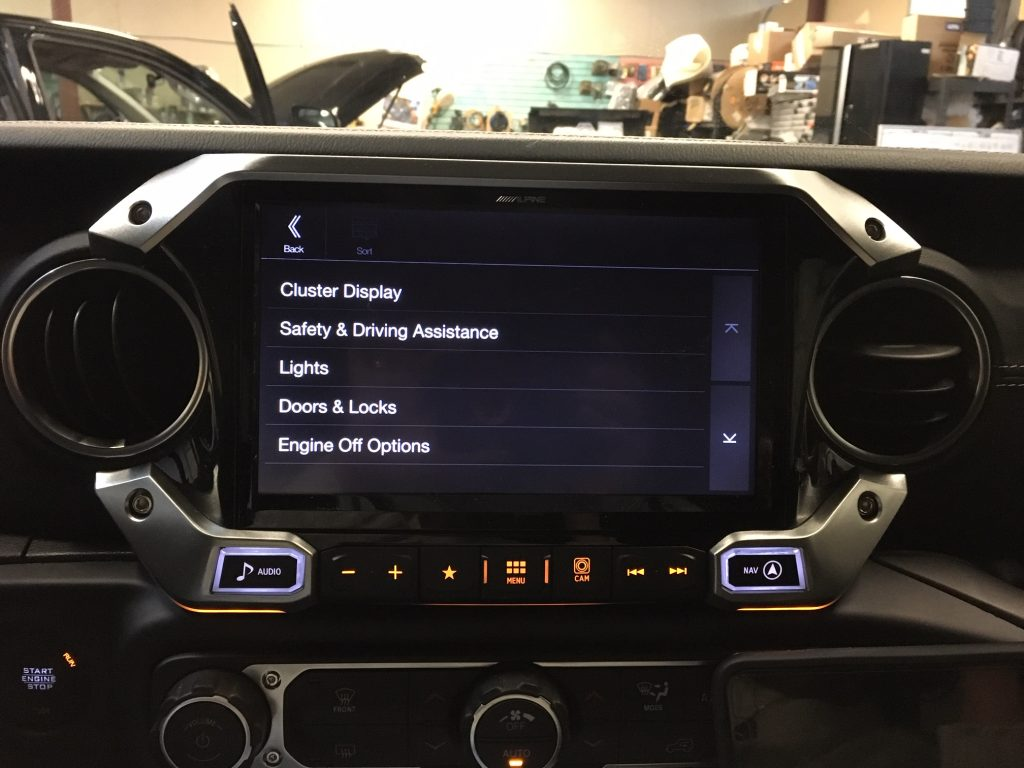Alpine X409-WRA-JL vehicle settinsg screen.