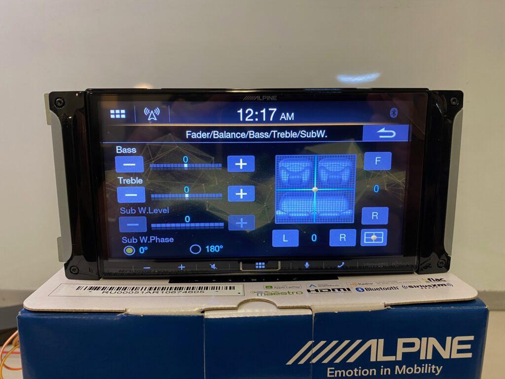 Alpine iLX-407 Review - Basic audio controls