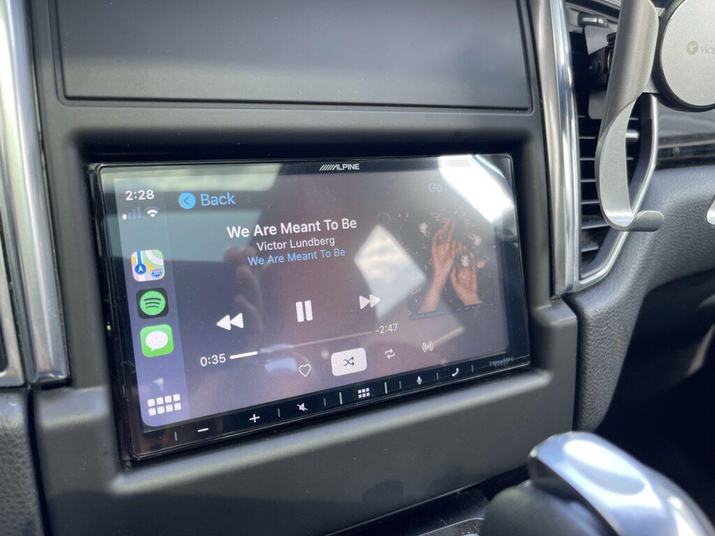 Porsche Macan Apple CarPlay with aftermarket Alpine iLX-W650 radio.