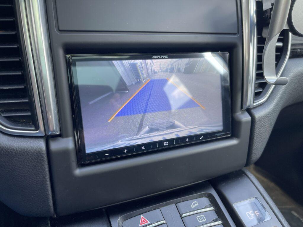 Porsche Macan aftermarket stereo installation - reverse camera retained.