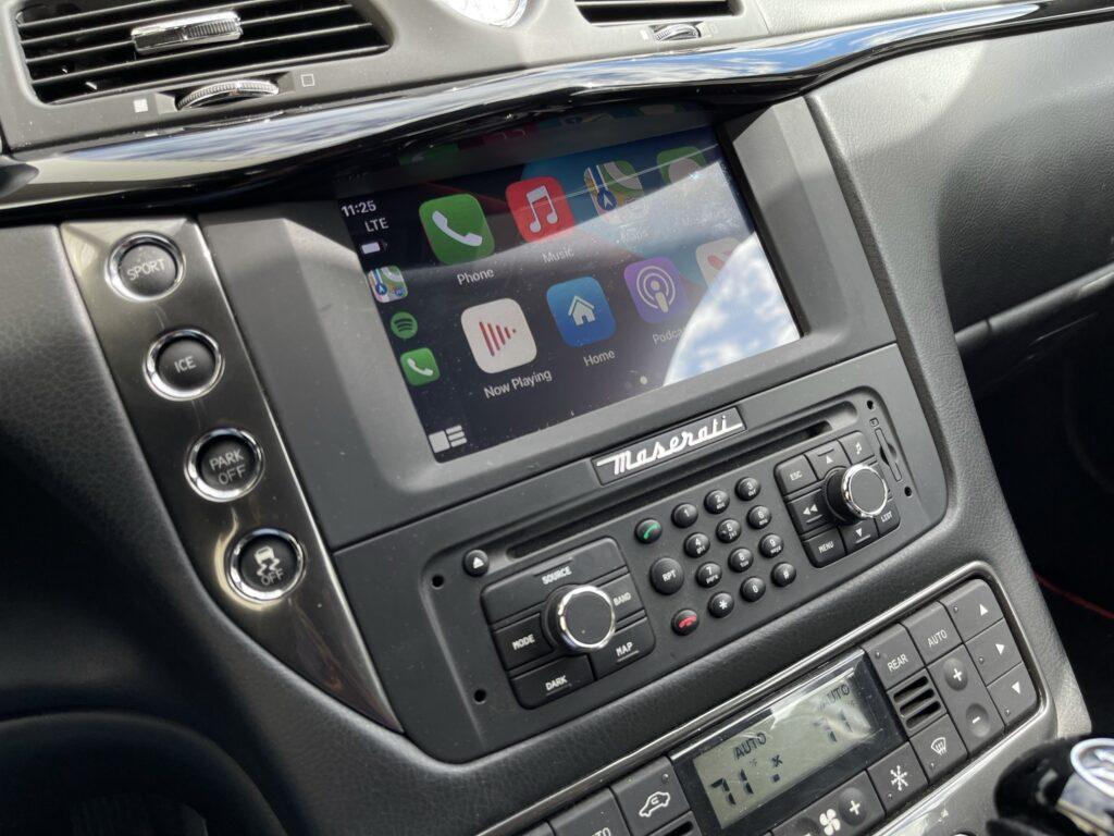 2015 Maserati GranTurismo Apple CarPlay