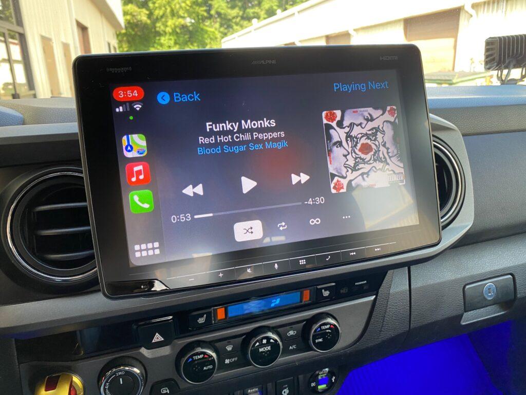 Alpine iLX-F411 Toyota Tacoma installed